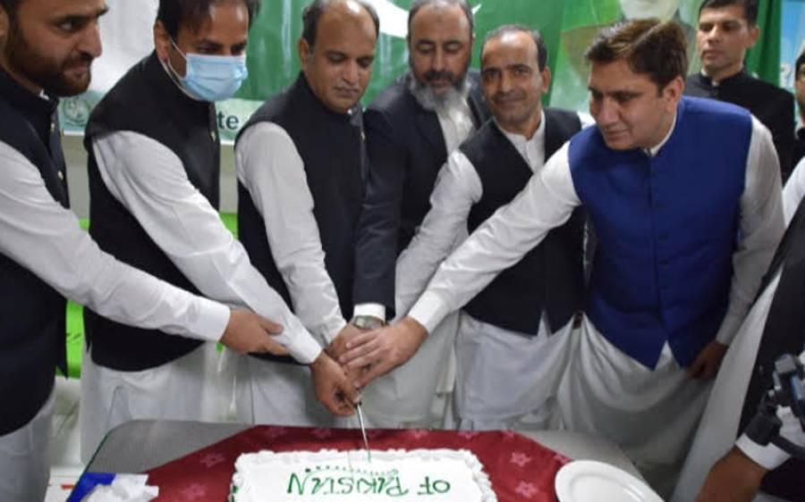 دنیا بھر کی طرح سعودی عرب میں بھی پاکستان کا یوم آزادی احتیاطی تدابیر کے ساتھ منایا گیا
