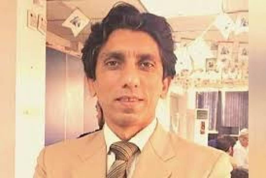 ایک طاقتورشخصیت نے وزیراعظم سے ملاقات کرکے گزارش کی کہ عثمان بزدار کو تبدیل کردیں لیکن پھر عمران خان نے کیا جواب دیا؟ سینئر صحافی اعزاز سید نے دعویٰ کردیا