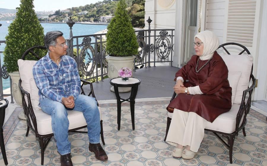 استنبول میں ترک خاتون اول سے ملاقات کی تصاویر وائرل ہونے پر بھارتیوں نے عامر خان کو آڑے ہاتھوں لے لیا