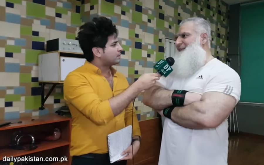 60 سالہ پاکستانی باڈی بلڈر جس کی باڈی دیکھ کر جوان بھی احساس کمتری میں مبتلا ہو جائے