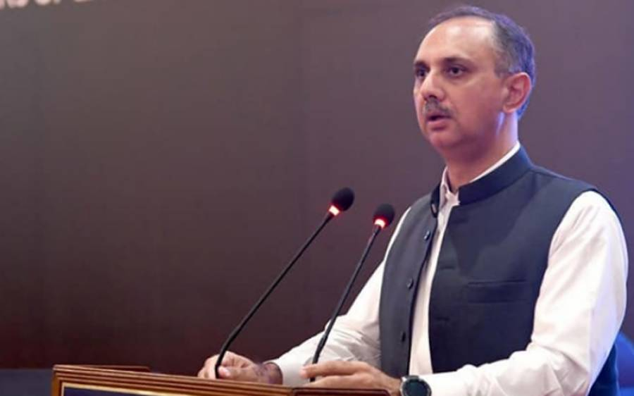 پاکستان آئندہ دس سال میں 70 فیصد بجلی۔۔۔وفاقی وزیر توانائی عمر ایوب نے خوشخبری سنا دی