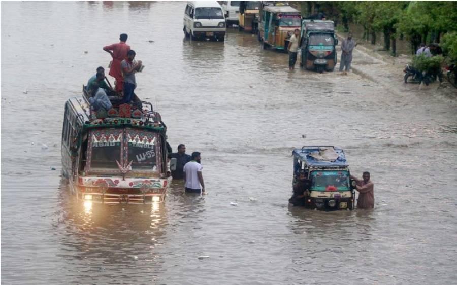مون سون بارشیں ،ملیر ندی سے ایک شخص کو بحفاظت نکال لیاگیا