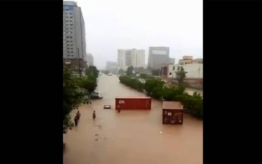 شہر قائد میں بارش کی تباہ کاریاں، 15 افراد جان سے گئے، ہر طرف پانی ہی پانی