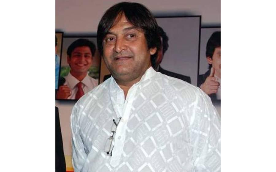 چائے کی دکان بند ہونے پر بھارتی شہری نے گینگسٹر ابوسلیم کا آدمی بن کر فلم ساز مہیش منجریکر کو بھتے کیلئے فون کردیا لیکن پھر نتیجہ کیا نکلا؟