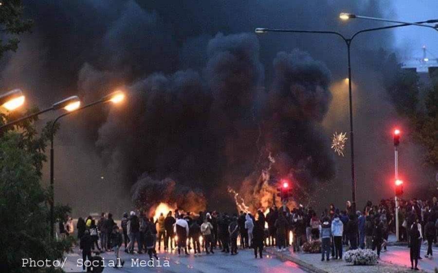 سویڈن میں قرآن کریم نذرِ آتش، ویڈیو آن لائن شیئر کردی گئی، مسلمانوں میں سخت غم و غصہ