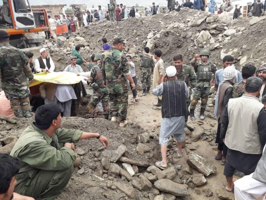 افغانستان میں سیلاب، ہلاکتوں کی تعداد 160 ہوگئی، متعدد افراد لاپتہ
