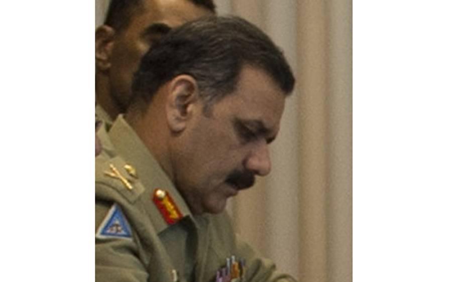 عمران خان کا عاصم سلیم باجوہ کا استعفیٰ منظور نہ کرنے کا فیصلہ، کام جاری رکھنے کی ہدایت