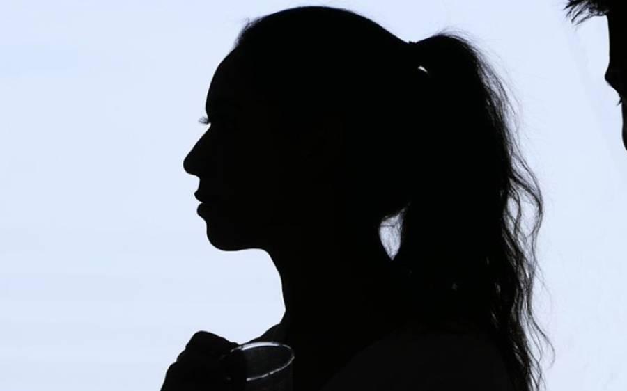 مردوں سے زیادہ مسلز والی باڈی بلڈر خاتون، دیکھ کر مرد کیا کہتے ہیں؟ افسوسناک انکشاف کردیا