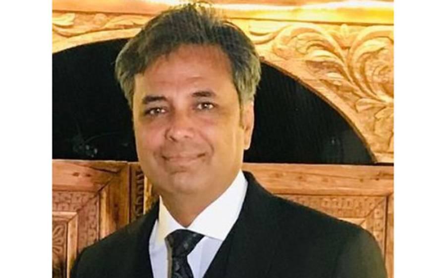 پاکستان کی اپوزیشن جماعتیں وزیراعظم عمران خان کے خلاف کوئی قدم اُٹھانے سے گھبراتی کیوں ہیں؟ صحافی طلعت حسین کا دلچسپ تجزیہ