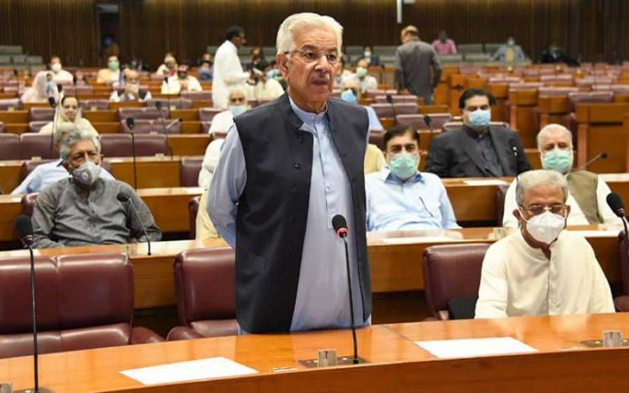 ہمارے وزیر اعظم عقل سے عاری ، زیادتی کا نشانہ بننے والی خاتون کا تمسخر اڑانے والے پولیس آفیسر کے ۔۔۔۔ خواجہ آصف نے دبنگ بیان جاری کردیا