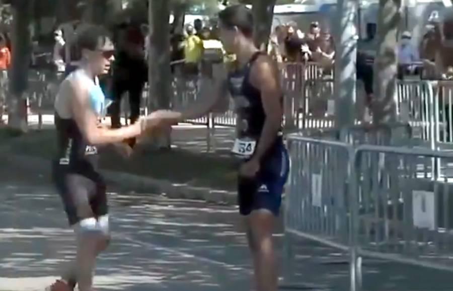 سپین کے ایتھلیٹ نے دوڑ کے مقابلے میں ناقابل فراموش مثال قائم کر دی، ہر کوئی داد دینے پر مجبور ہو گیا