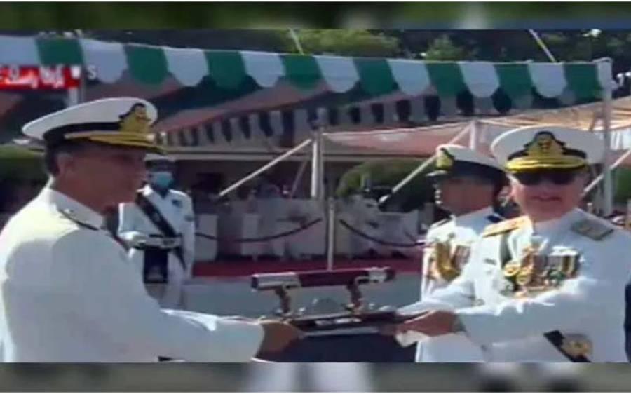 پاک بحریہ کے نئے سربراہ ایڈمرل امجد خان نیازی نے ذمہ داری سنبھال لی ، یہ کون ہیں ؟ جان کر آپ کا سینہ بھی فخر سے چوڑا ہوجائے گا