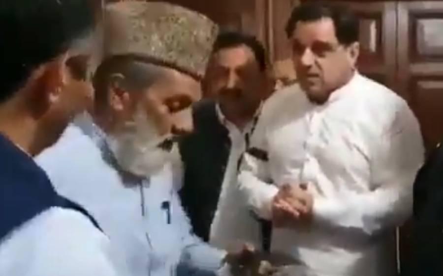 'دوبارہ آپ سے ٹکٹ مانگوں تو کہنا' پنجاب اسمبلی میں داخلے سے روکنے پر لیگی رکن مولانا غیاث الدین نے پارٹی کو صاف جواب دے دیا