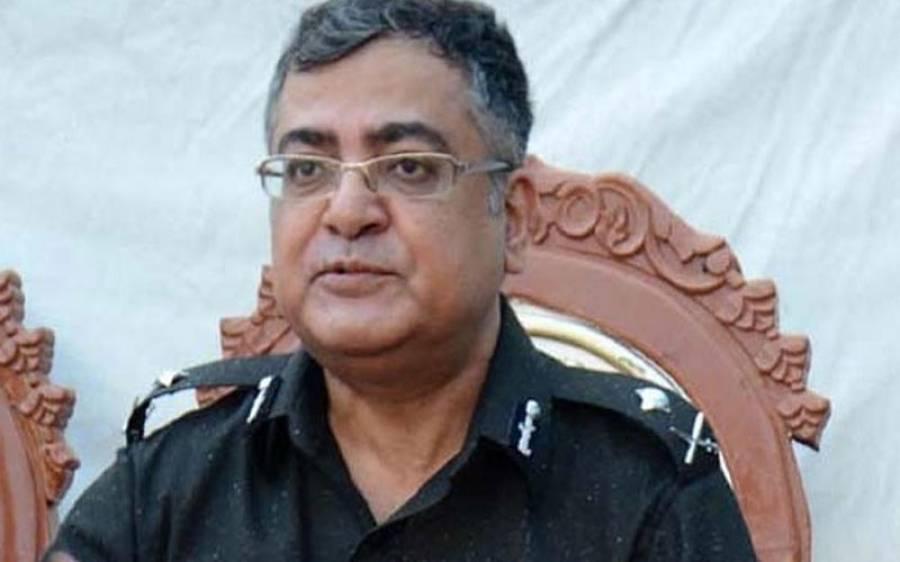 ' اپنی درخواستیں 10 دن کیلئے واپس لے لو' آئی جی سندھ نے چھٹی کی درخواست واپس لیتے ہوئے افسران کو بھی حکم دے دیا