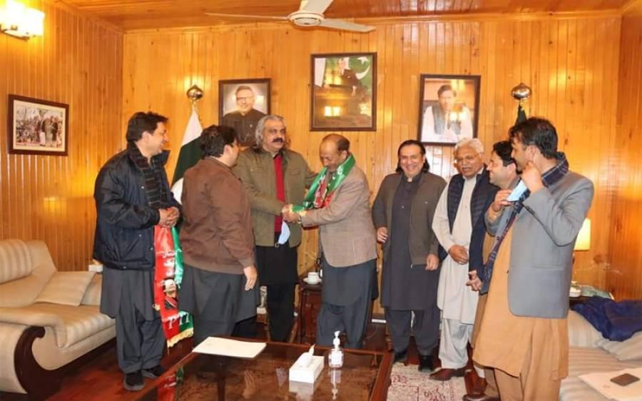 گلگت بلتستان الیکشن میں آزاد حیثیت میں کامیاب 2 امیدوار پی ٹی آئی میں شامل