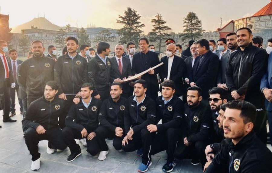 """""""ہماری پاکستان کرکٹ ٹیم کیساتھ سیریز کروائی جائے"""" وزیراعظم عمران خان سے کس نے درخواست کی؟ پاکستانیوں کیلئے خوشخبری"""