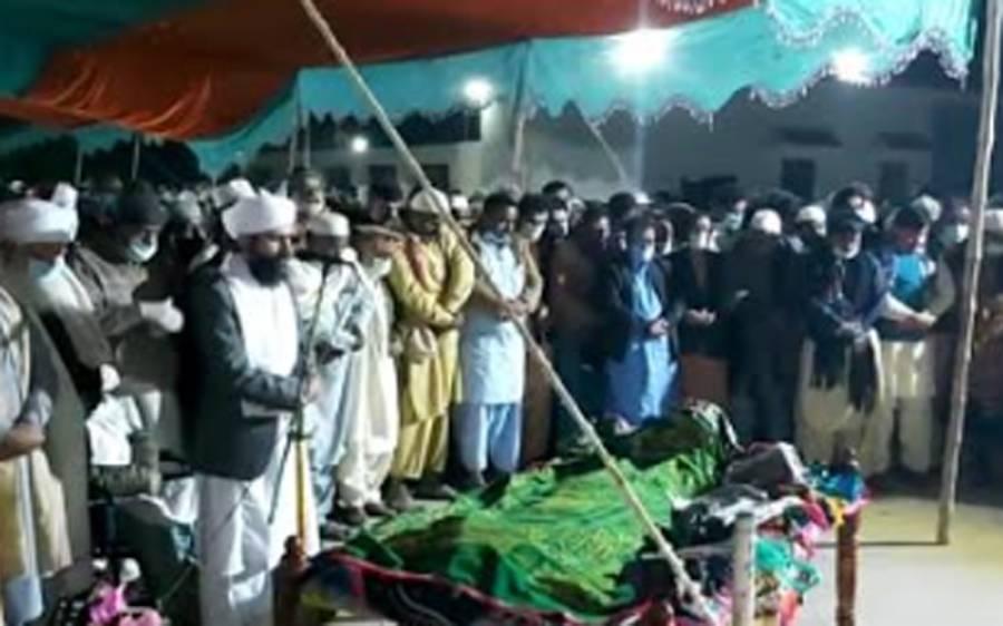 مسلم لیگ فنکشنل کے رہنما فقیر جادم منگریو کی رات گئے ان کے آبائی گاؤں میں تدفین