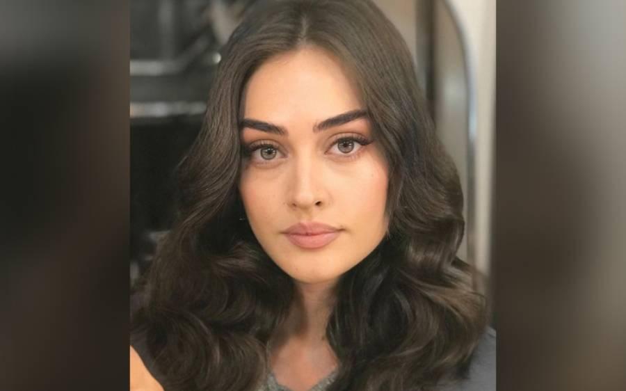 ارطغرل غازی میں حلیمہ کا کردار نبھانے والی ترک اداکارہ اسرانے اپنی ایک اور دلکش تصویر شیئر کر کے مداحوں کی توجہ حاصل کر لی