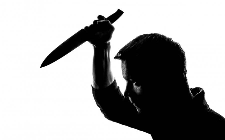 یکطرفہ محبت میں مبتلا نوجوان نے شادی شدہ خاتون کو قتل کردیا، رنگے ہاتھوں پکڑا گیا تو لوگوں نے ایسا کام کردیا کہ پولیس کی دوڑیں لگ گئیں