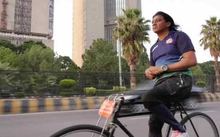 سائیکل کے ہینڈل اور بریک کے بغیر 34 روزمیں ساڑھے تین ہزار کلومیٹر کا سفر، پاکستانی ایتھلیٹ کا انوکھا ریکارڈ