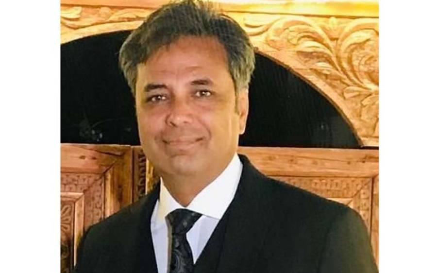 """""""16 دسمبر کو لاہور کے شاہی قلعے میں ایک صاحب کے بیٹے کی مہندی کی تقریب ہوئی جس میں ۔۔"""" سینئر صحافی طلعت حسین نے بڑا انکشاف کر دیا"""