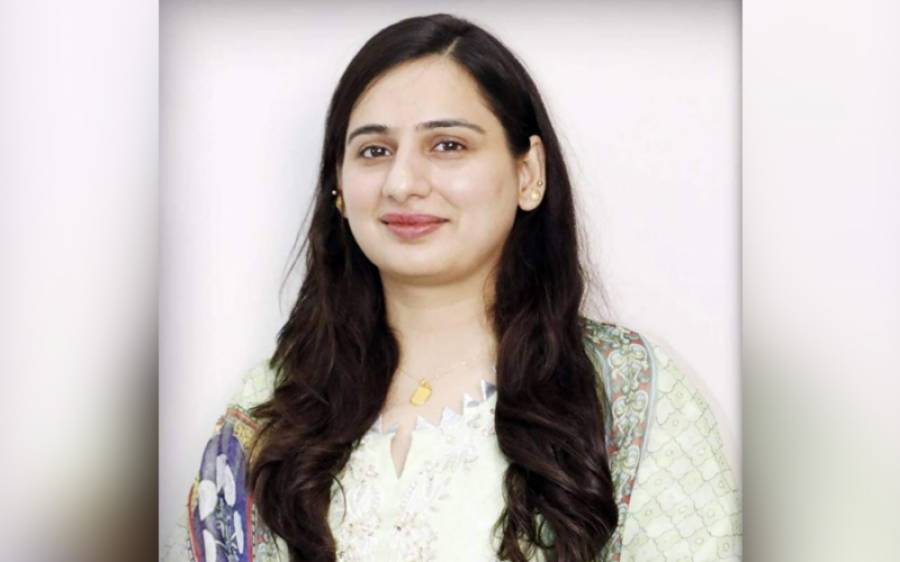 پنجاب پولیس کی خاتون ایس پی عائشہ بٹ اپنے محکمے کیخلاف بول پڑیں