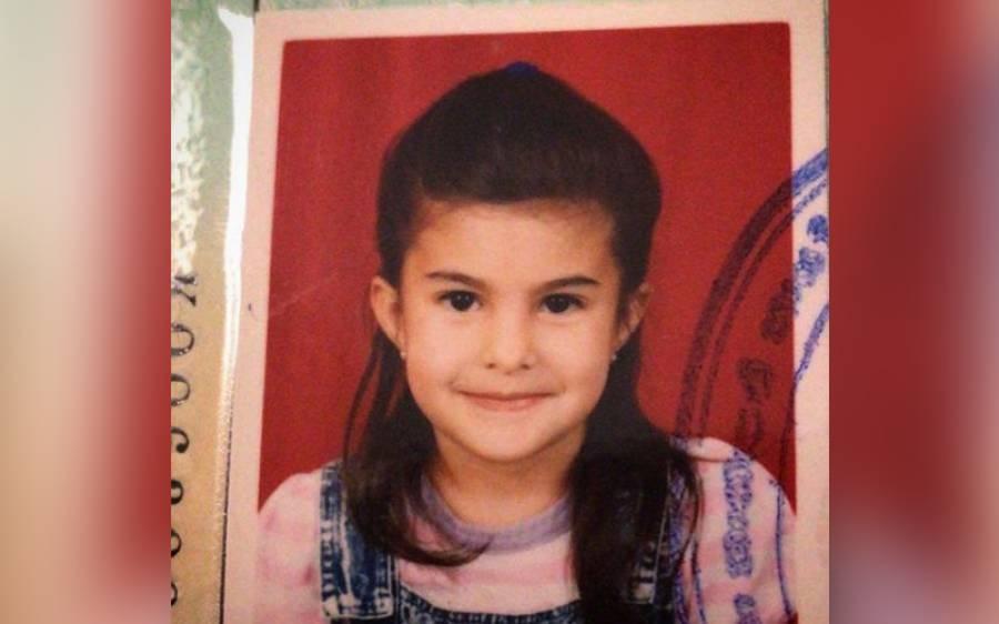 یہ کس معروف اداکارہ کی بچپن کی تصویر ہے؟ کسی کو یقین نہ آئے
