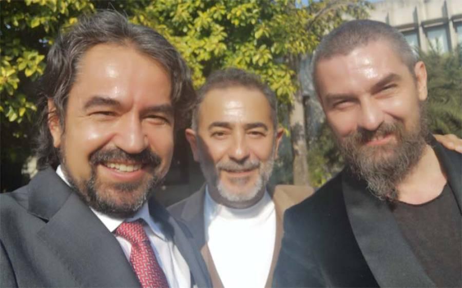 """ارطغرل غازی میں """" بامسی """" کا کر دار نبھانے والے ترک اداکار پاکستان پہنچ گئے ، کیا کر رہے ہیں ؟ تصویر سامنے آ گئی"""