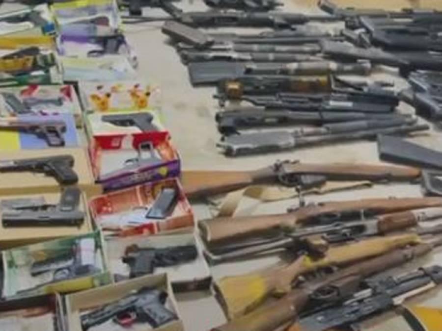 لاہور پولیس اِن ایکشن، قبضہ مافیا اور بدمعاشوں کے بعد ناجائز اسلحہ ڈیلرز کی بھی سختی آگئی