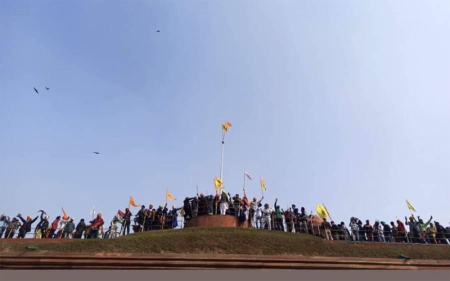 بھارت: لال قلعے پر پرچم لہرانے کے بعد سیکیورٹی ہائی الرٹ