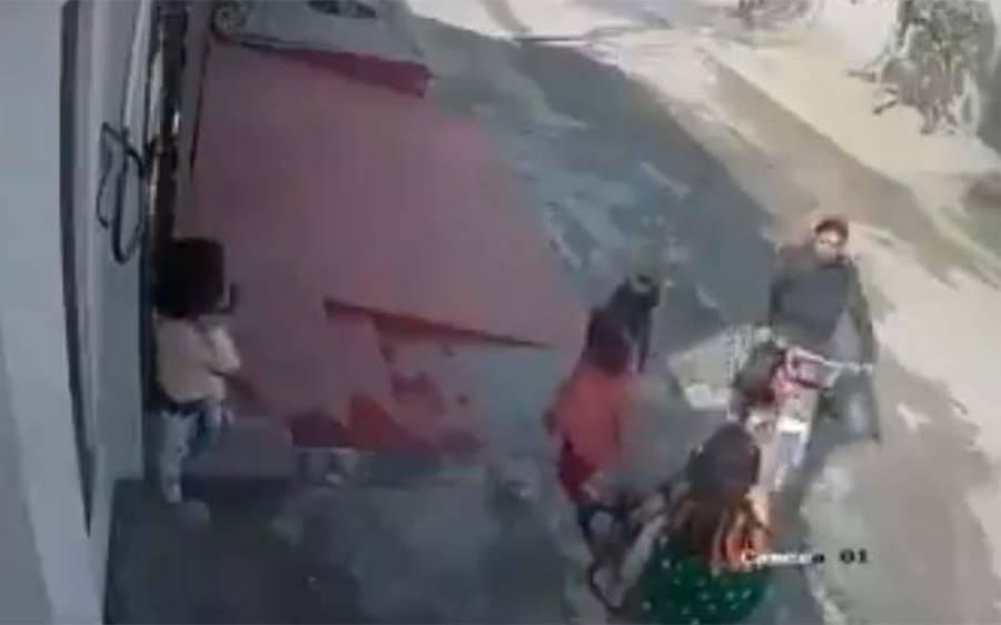 گھر کے باہر کھیلتی بچیوں کو ہراساں کرنے والا ملزم گرفتار