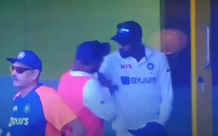 بھارت اورانگلینڈ کے درمیان جاری ٹیسٹ میچ کے دوران دو بھارتی کھلاڑی آپس میں ہی ' لڑ ' پڑے