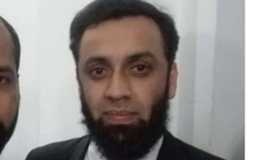 'پولیس نے مجھے حراست میں لے کر زبردستی گاڑی میں بٹھایا' عطا تارڑ کا الزام