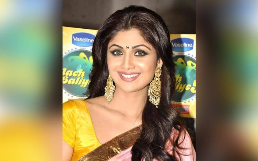 بالی ووڈ کی معروف اداکارہ شلپا سیٹھی کے شوہر پر فحش فلموں کا گروہ چلانے کا الزام