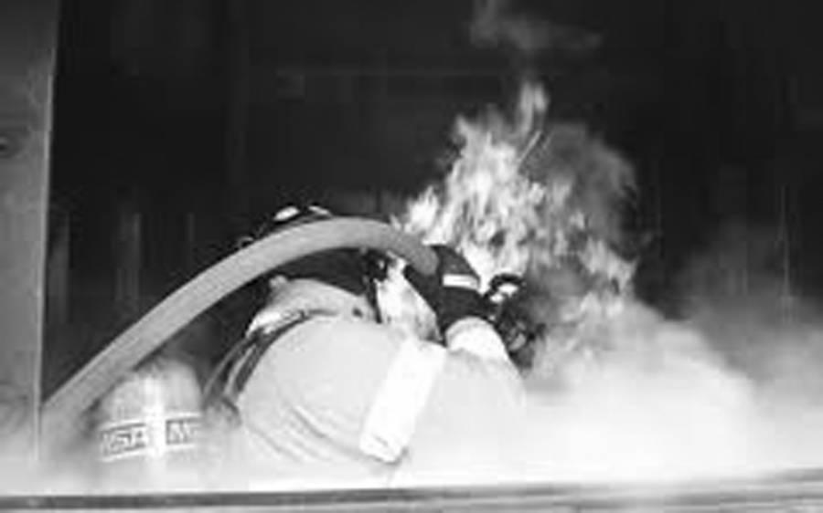 لاہور میں شوہر سے جھگڑے پر بیوی نے گھر کو آگ لگادی، بچے زندہ جل گئے