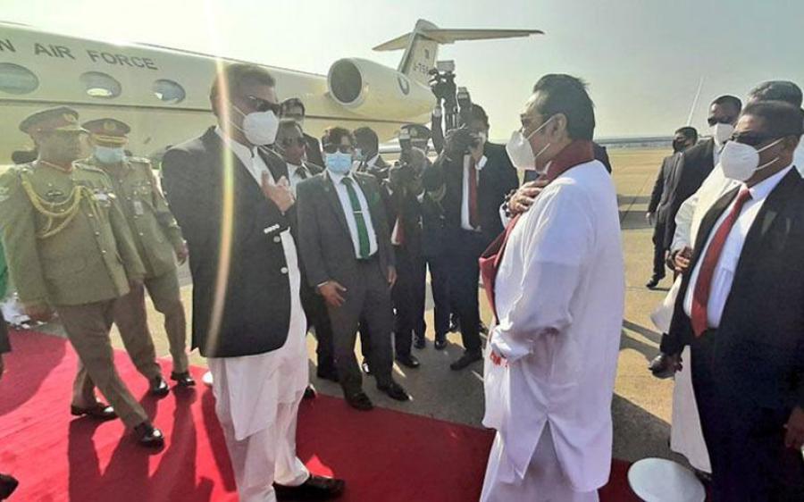 وزیراعظم سری لنکا کے دورے پر کولمبو پہنچ گئے، گارڈ آف آنر پیش کیا گیا
