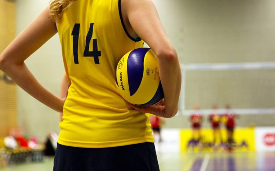 بکنی پر پابندی لگائے جانے پر والی بال کی دو کھلاڑیوں نے قطر میں ٹورنامنٹ کا ہی بائیکاٹ کردیا