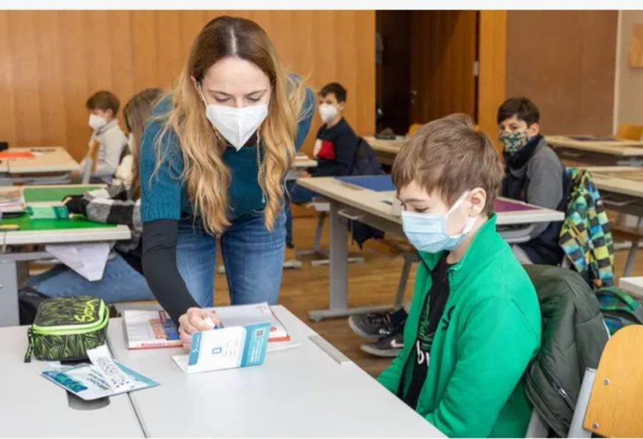 آسٹریا میں پیر سے سکولوں کے اضافی امدادی اوقات میں تبدیلی کا فیصلہ