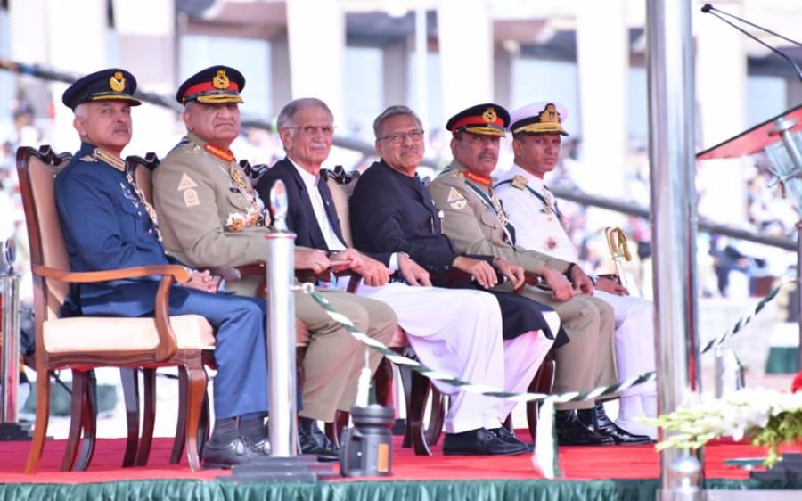 عارف علوی اور پرویز خٹک کورونا میں مبتلا، 4 روز قبل یوم پاکستان کی پریڈ میں ان کے قریب کون کون موجود تھا؟ پریشان کن خبر آگئی