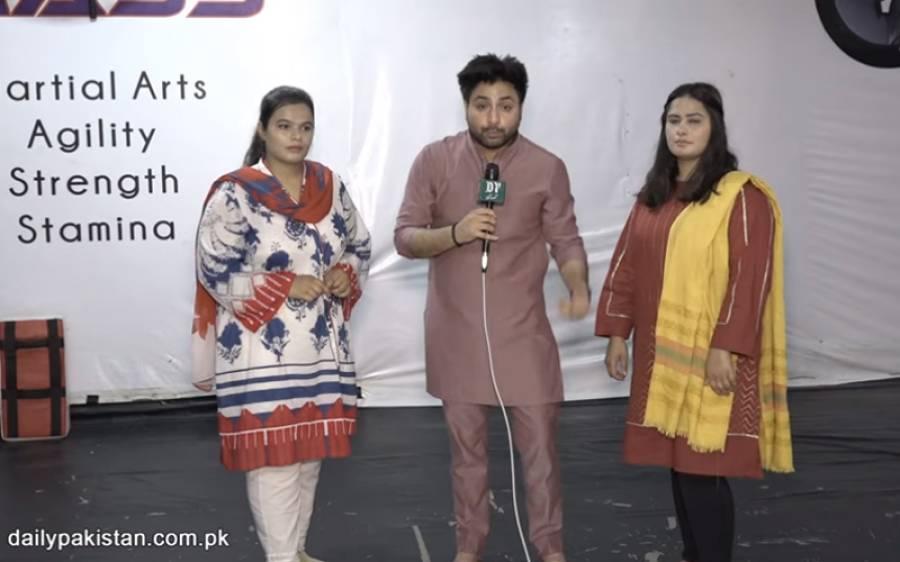 لڑکیاں بھی کسی سے کم نہیں، لاہور کی 2 بہنیں جنہوں نے جوڈو فائیٹ میں پاکستان کا نام روشن کیا