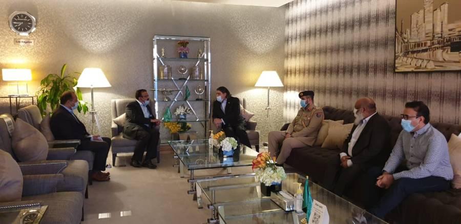 سعودی عرب میں تعینات ہونیوالے سفیرِ پاکستان لیفٹیننٹ جنرل ریٹائرڈ بلال اکبر سعودی عرب پہنچ گئے
