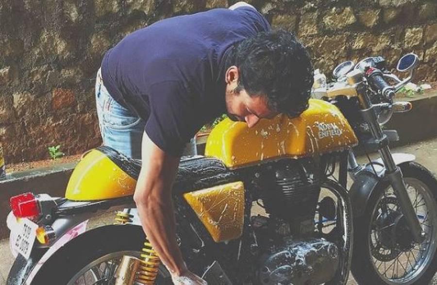 بالی وڈ اداکار نے آکسیجن سلنڈرز کے بدلے قیمتی موٹرسائیکل دینے کی پیشکش کردی