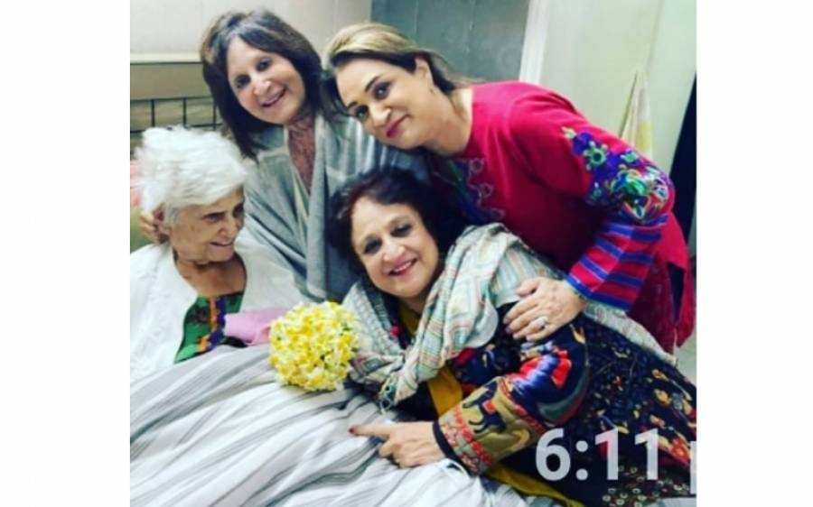 بشریٰ انصاری نے اپنی بہن سنبل شاہد کے انتقال کے بعد پہلا جذباتی پیغام جاری کر دیا