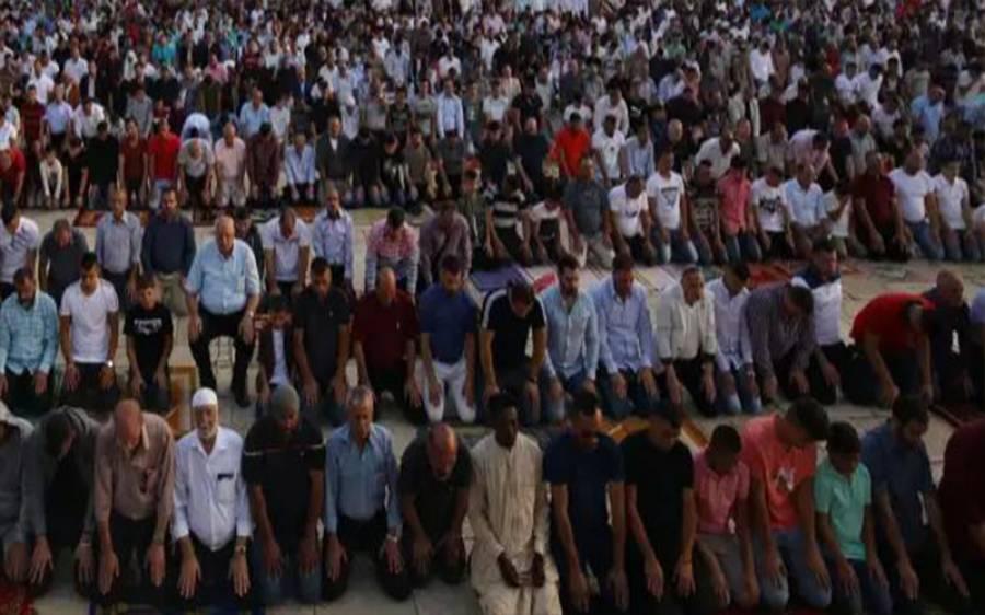 وہ ملک جس نے مساجد میں عید الفطر کی نماز پر بھی پابندی عائد کردی