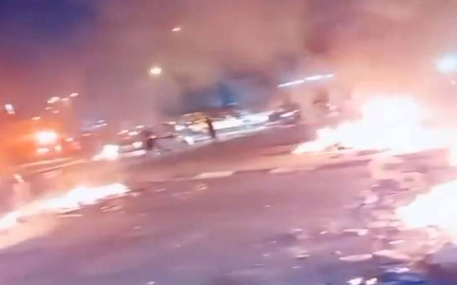 کرفیو کے باوجود اسرائیل میں ہنگامے جاری،متعدد گاڑیاں نظر آتش، درجنوں شہری زخمی