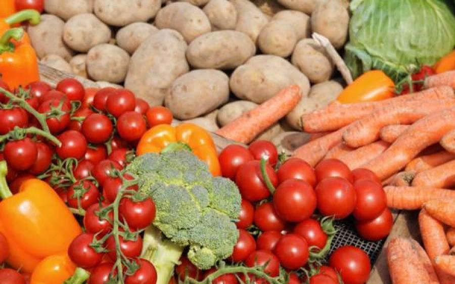 گوشت چھوڑ کر صرف سبزیاں کھائی جائیں تو ہڈیاں کمزور ہوسکتی ہیں، تازہ تحقیق میں وارننگ دے دی گئی