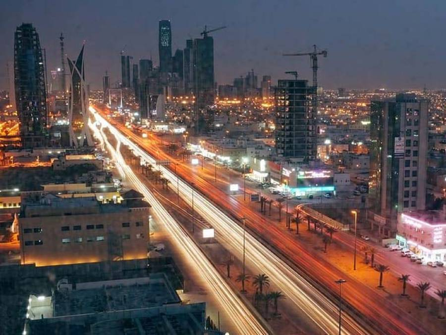 سعودی عرب کی آبادی کتنے کروڑ ہو گئی ؟