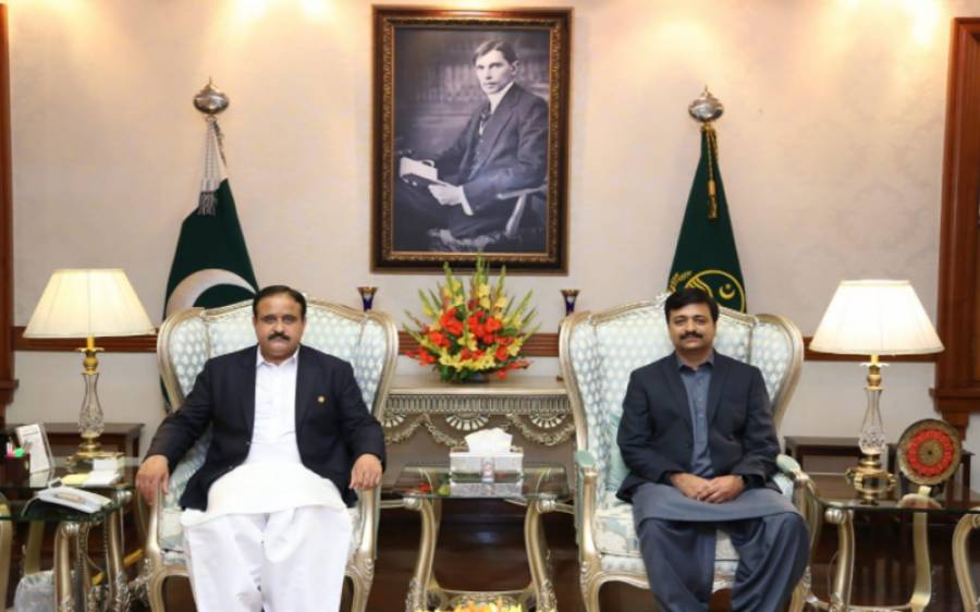 پاکستانی نژاد برطانوی فیملی کے ساتھ ٹریول ایجنٹ کی دھوکہ دہی