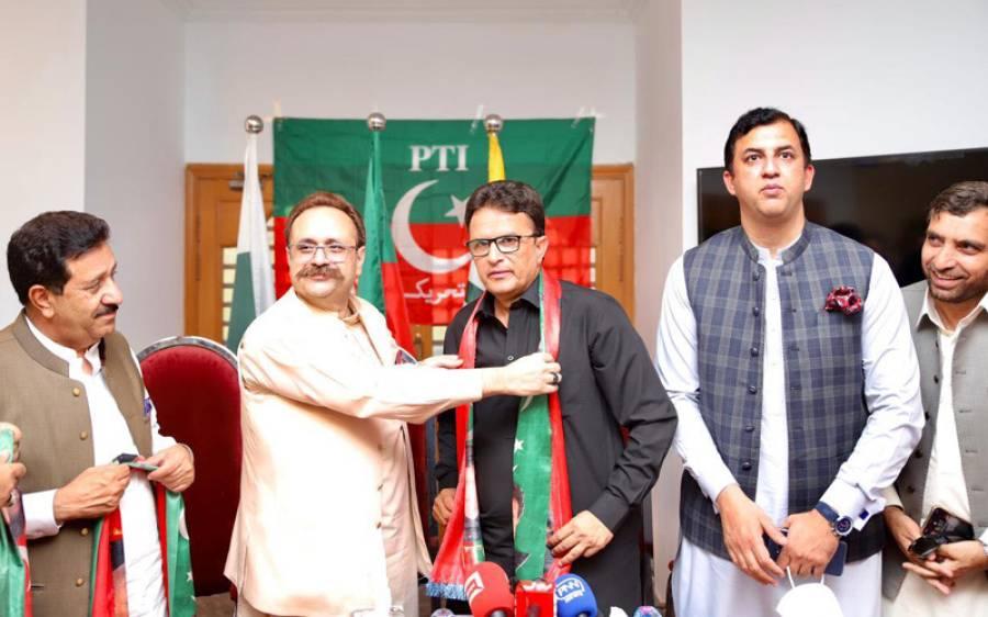 آزاد کشمیر میں ن لیگ کو بڑا دھچکا، اہم رہنما ساتھیوں سمیت پاکستان تحریک انصاف میں شامل ہوگیا