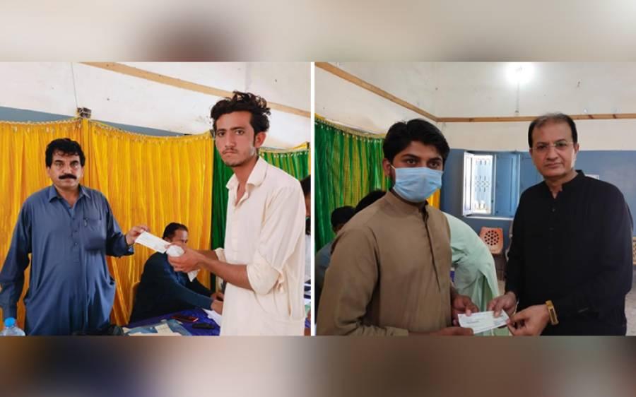 عمرکوٹ کے 339 طالبعلموں میں سکالر شپ کے چیک تقسیم